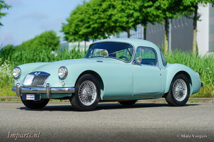 Picture of Excellent MGA 1500 Coupe 1958 (LHD) For Sale