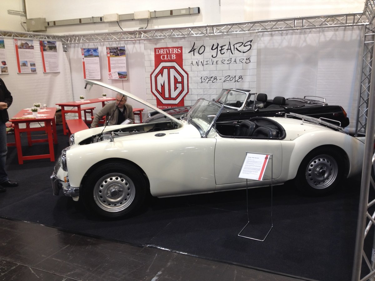 1959 MGA Twin Cam Right Hand Drive Convertible For Sale (picture 1 of 6)