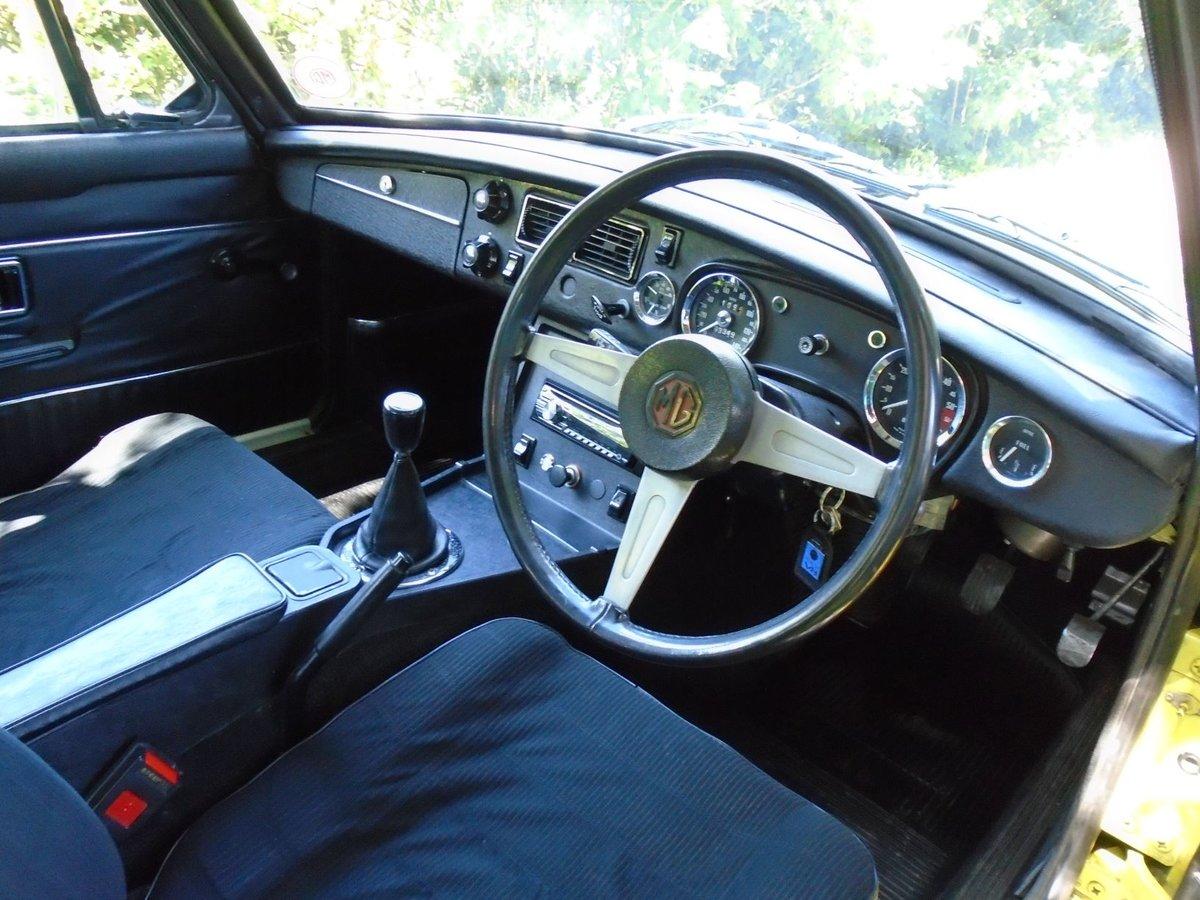 1975 MGB GT V8 - Genuine Factory V8 For Sale (picture 4 of 6)