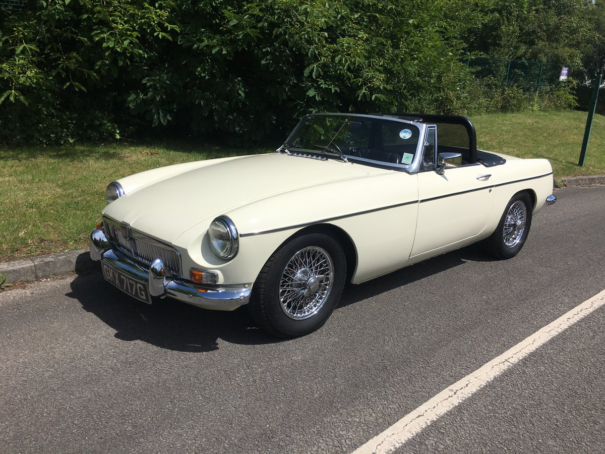 1968 MGB Roadster Old English white, Black Leather For Sale (picture 1 of 6)