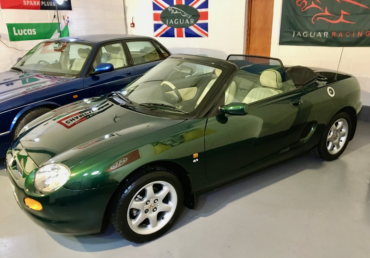 1999 MGF 1.8 Sports Convertible - Ultra Mint & Low Mileage 17k For Sale (picture 2 of 6)