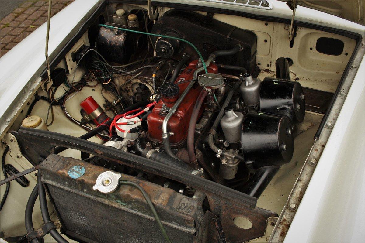 1969 Mk2 MGB Roadster - Snowberry White, Older Restoration SOLD (picture 4 of 6)