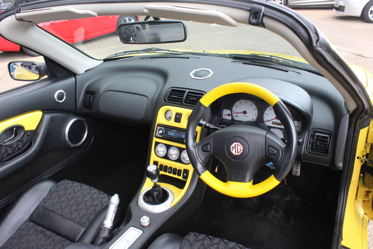 2001 MGF TROPHY 160,LOWMILEAGE,CHROME HOOPS,NEW HEADGASKET,RAC For Sale (picture 6 of 6)