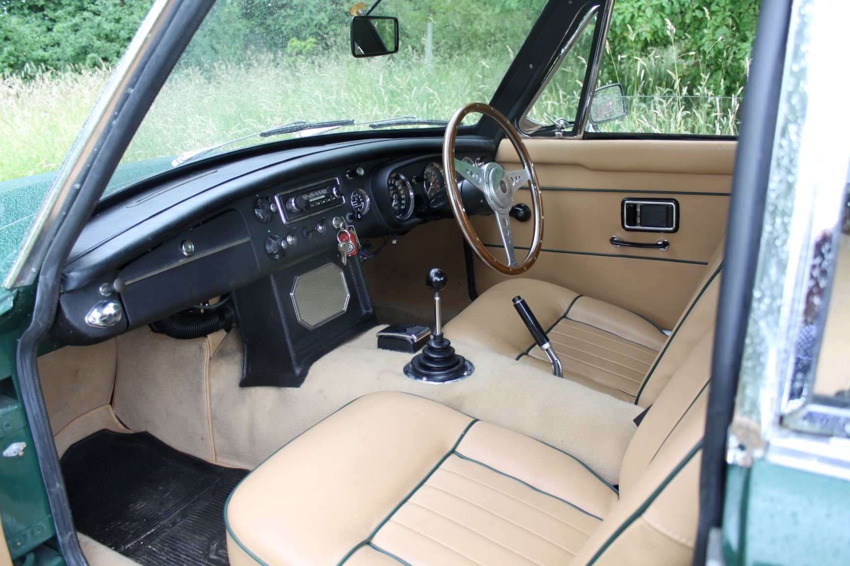 1968 Stunning MGC For Sale (picture 3 of 6)