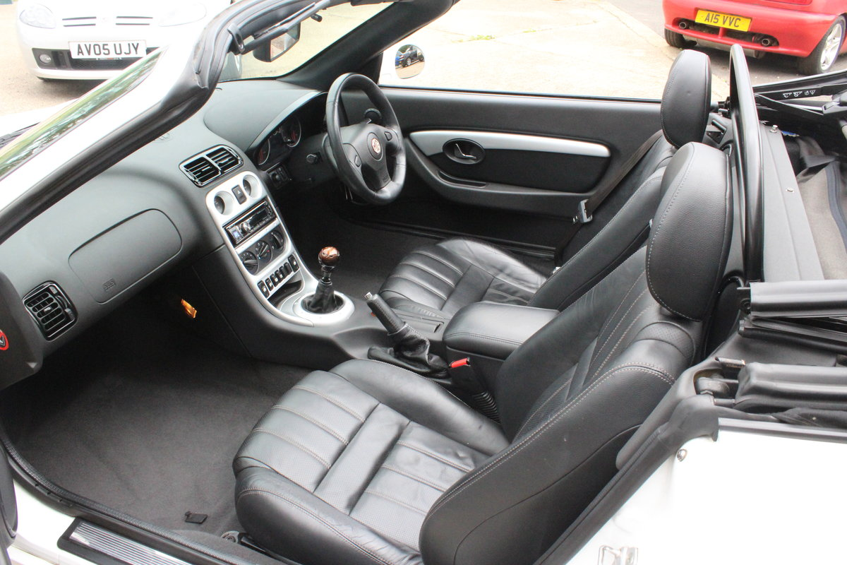 2010 MGT,FSH,LOW MILEAGE,LEATHER,NEW BELT&PUMP.RAC COVER For Sale (picture 4 of 5)