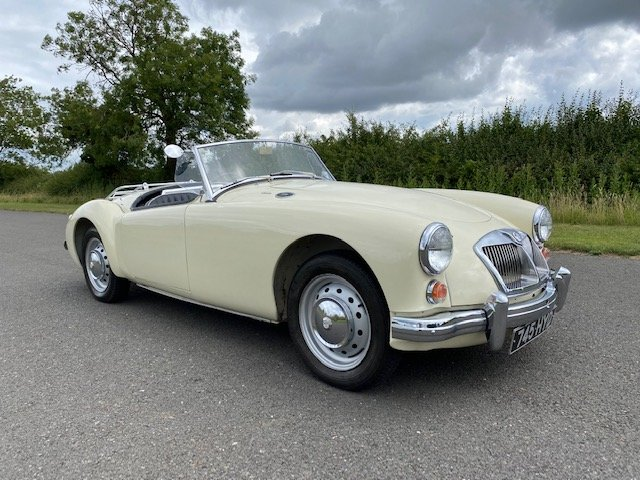1960 MGA MK I 1600 Roadster. SOLD (picture 3 of 6)