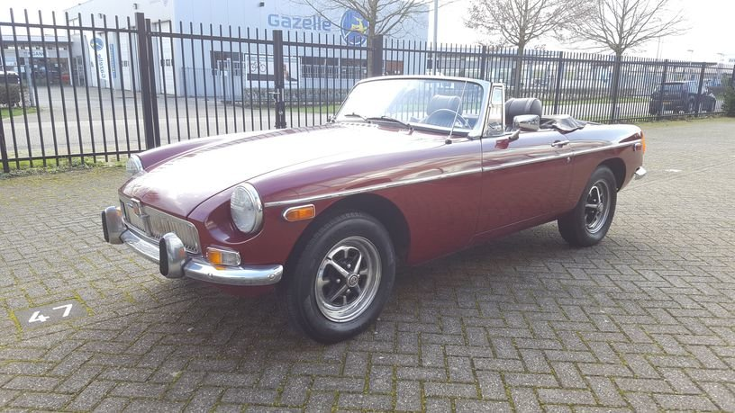 MG B Cabriolet 1978 Damask Red For Sale (picture 1 of 6)