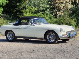 MG B Roadster, 1973, Old English White For Sale