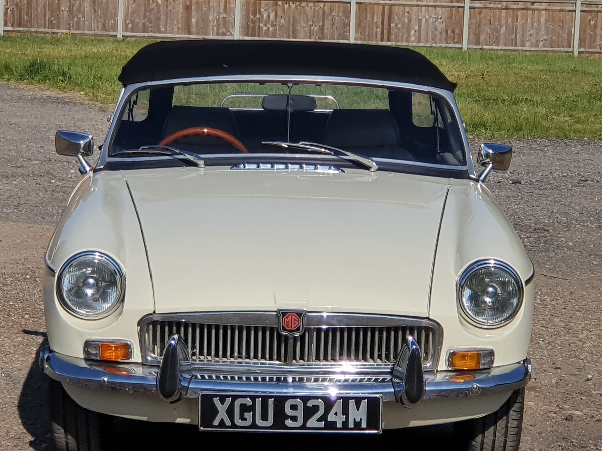 MG B Roadster, 1973, Old English White SOLD (picture 4 of 6)