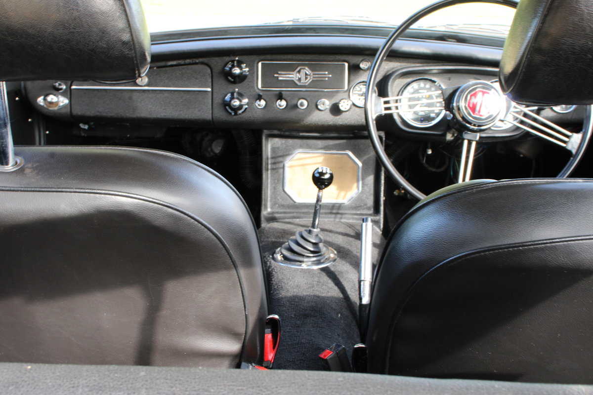 1970 MG C GT For Sale (picture 10 of 22)