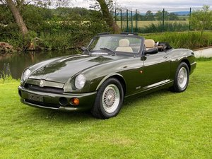 MG RV8 4.0 CONVERTIBLE WOODCOTE GREEN * TOP GRADE * LOW MILE