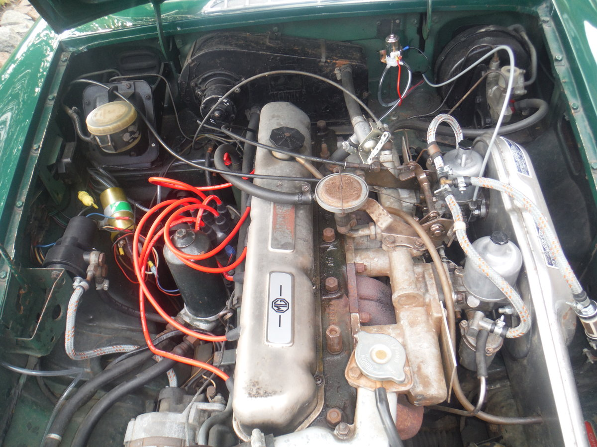 1969 Rare MGC GT Automatic For Sale (picture 3 of 4)