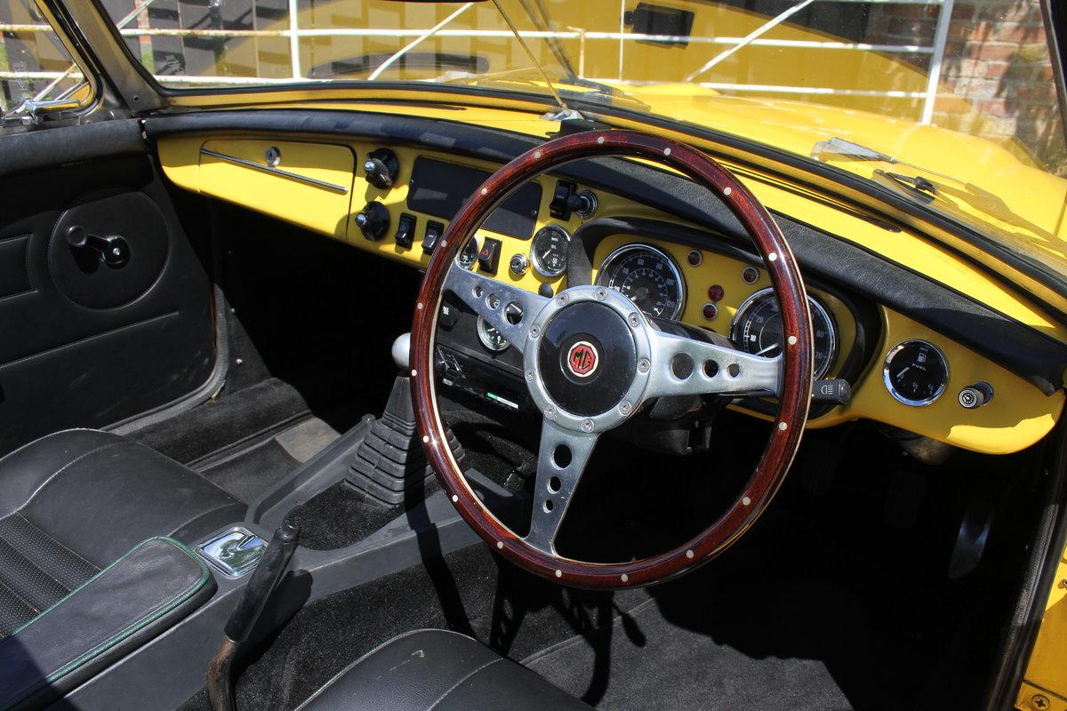 1977 1978 MGB V8 Roadster - 4.6V8, Edelbrok carb, 5 speed  For Sale (picture 7 of 15)