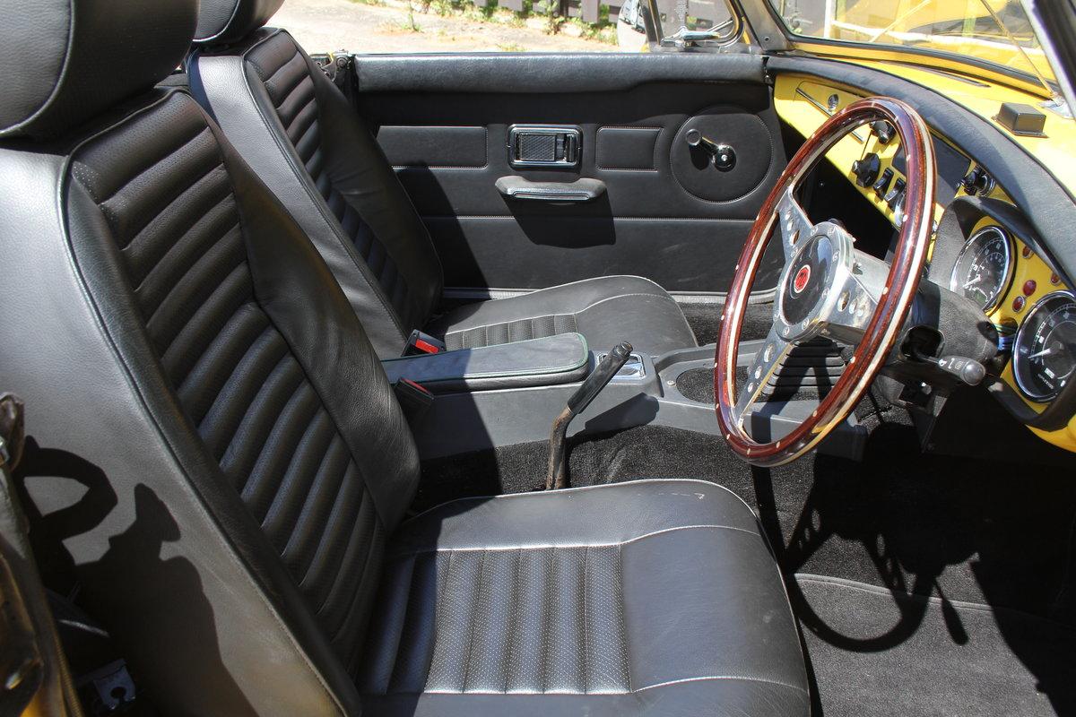 1977 1978 MGB V8 Roadster - 4.6V8, Edelbrok carb, 5 speed  For Sale (picture 8 of 15)
