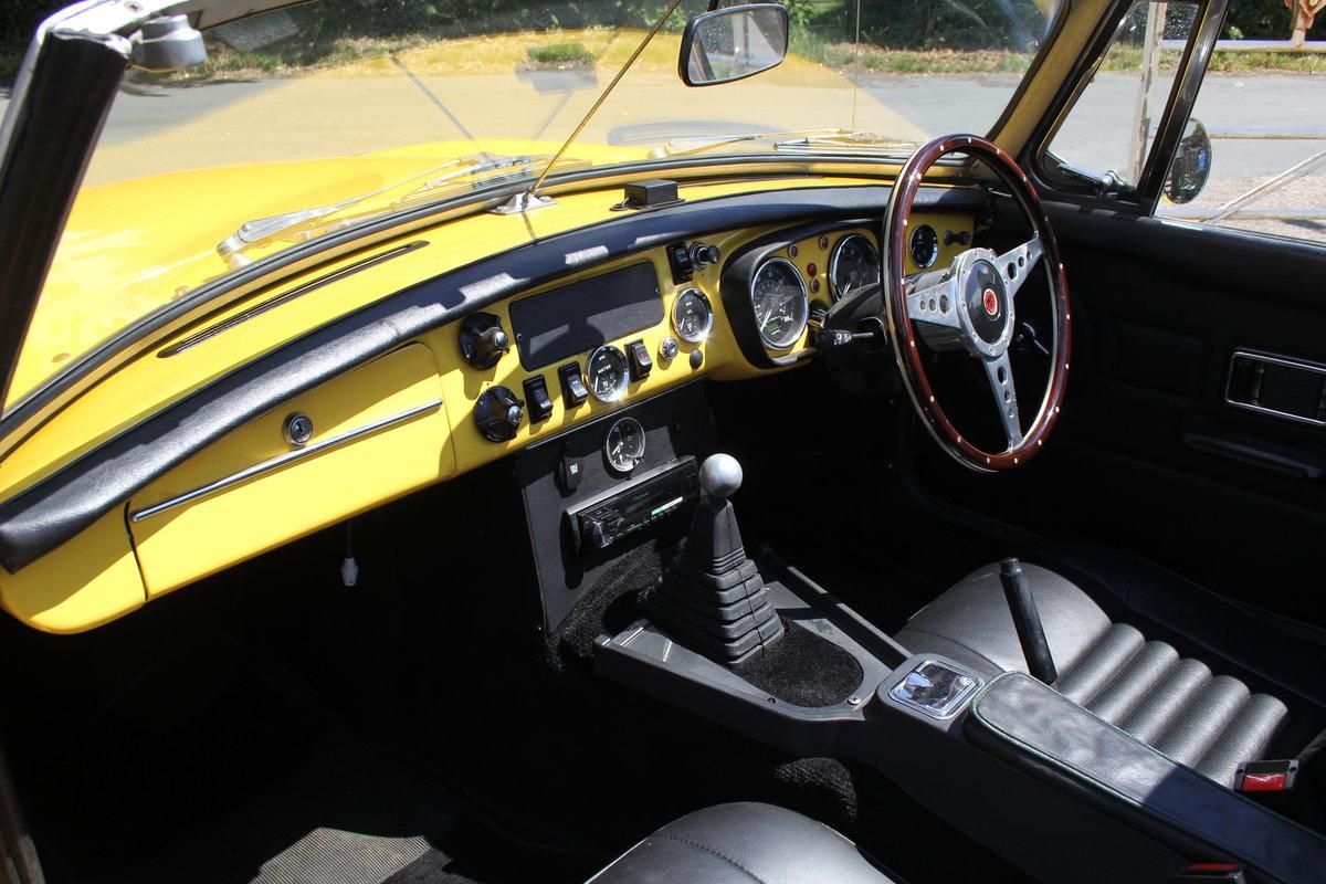 1977 1978 MGB V8 Roadster - 4.6V8, Edelbrok carb, 5 speed  For Sale (picture 10 of 15)