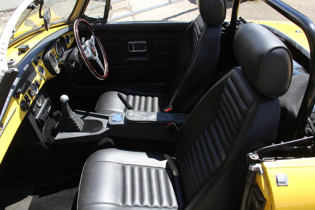 1977 1978 MGB V8 Roadster - 4.6V8, Edelbrok carb, 5 speed  For Sale (picture 11 of 15)