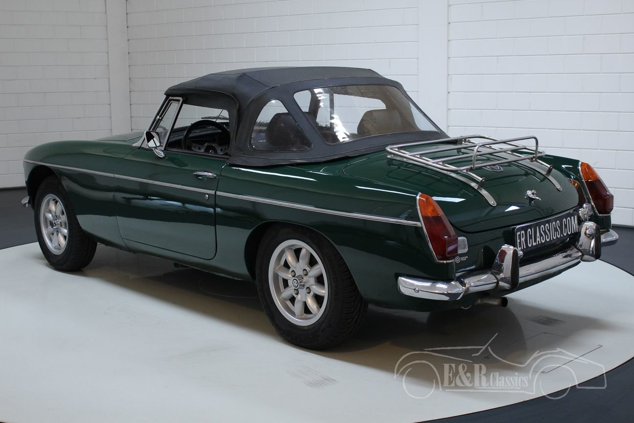 MG MGB 1974 European version BRG Overdrive For Sale (picture 5 of 6)