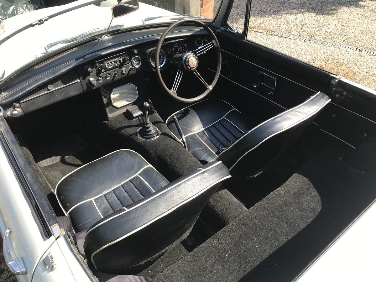 1968 MGC roadster - One family owned For Sale (picture 2 of 6)