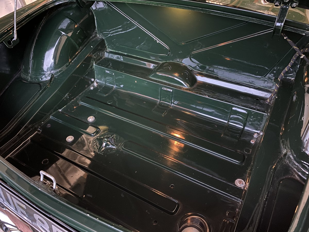 1965 MGB Roadster - Beautiful restored car - Overdrive For Sale (picture 5 of 6)