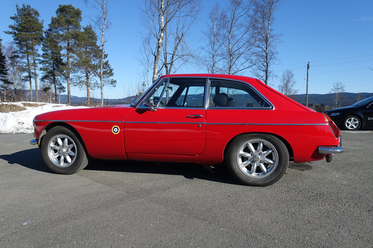1967 MGB GT V8 CONVERSION as factory spec, only nicer For Sale (picture 3 of 6)
