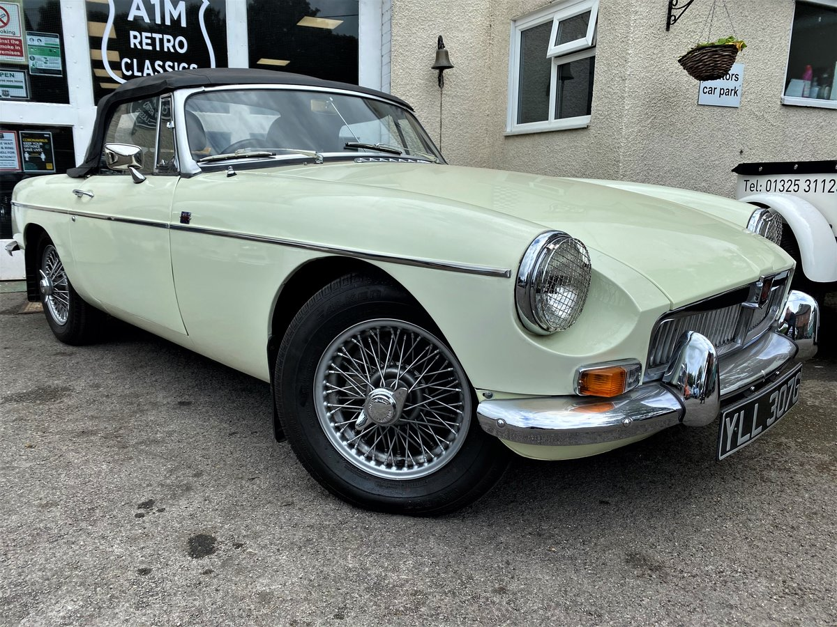 1969 MG B ROADSTER - GOOD EXAMPLE For Sale (picture 1 of 6)