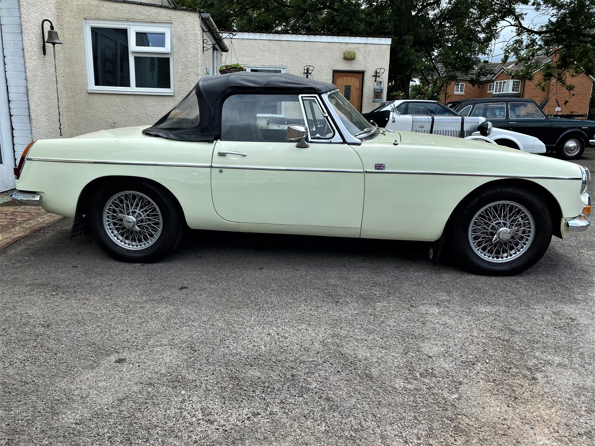 1969 MG B ROADSTER - GOOD EXAMPLE For Sale (picture 3 of 6)