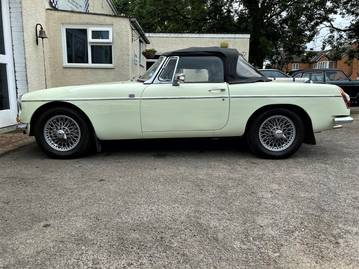 1969 MG B ROADSTER - GOOD EXAMPLE For Sale (picture 4 of 6)