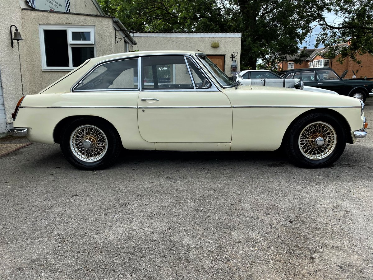 1967 - MG B GT For Sale (picture 3 of 6)