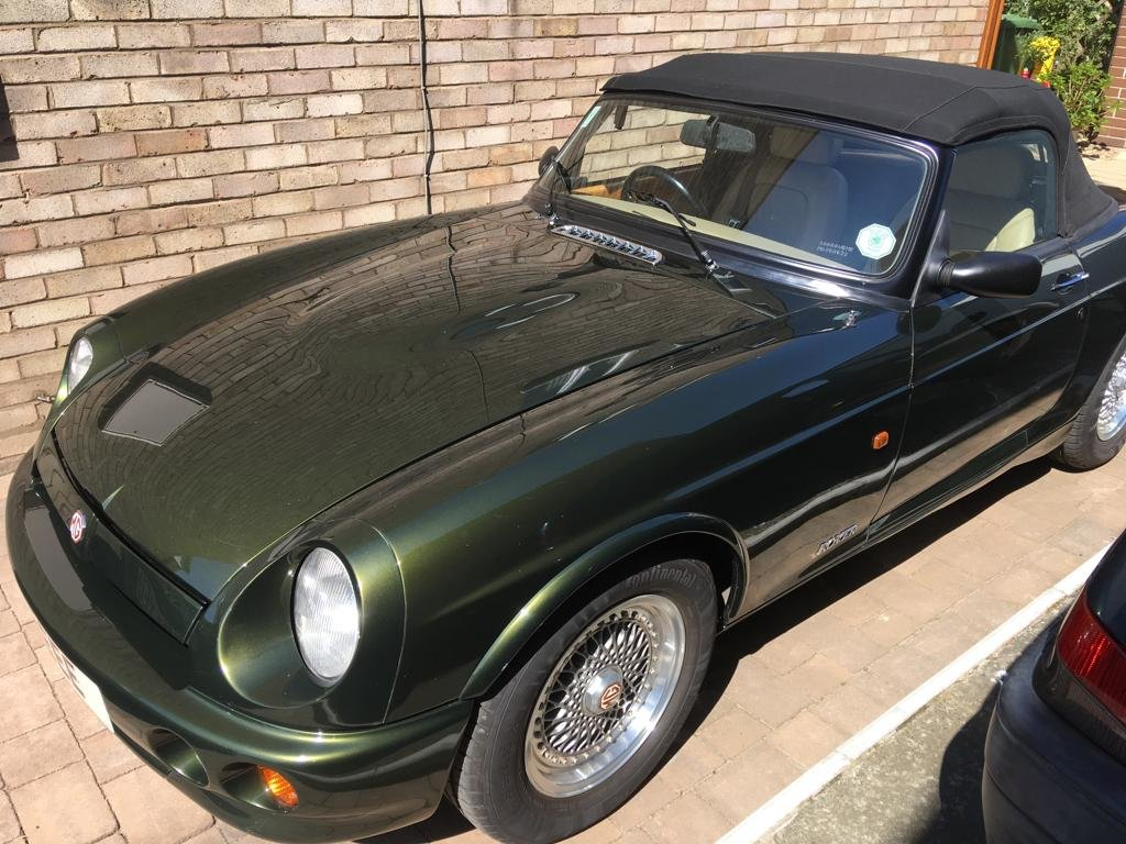 1994 Superb example of an MG RV8 For Sale (picture 5 of 5)