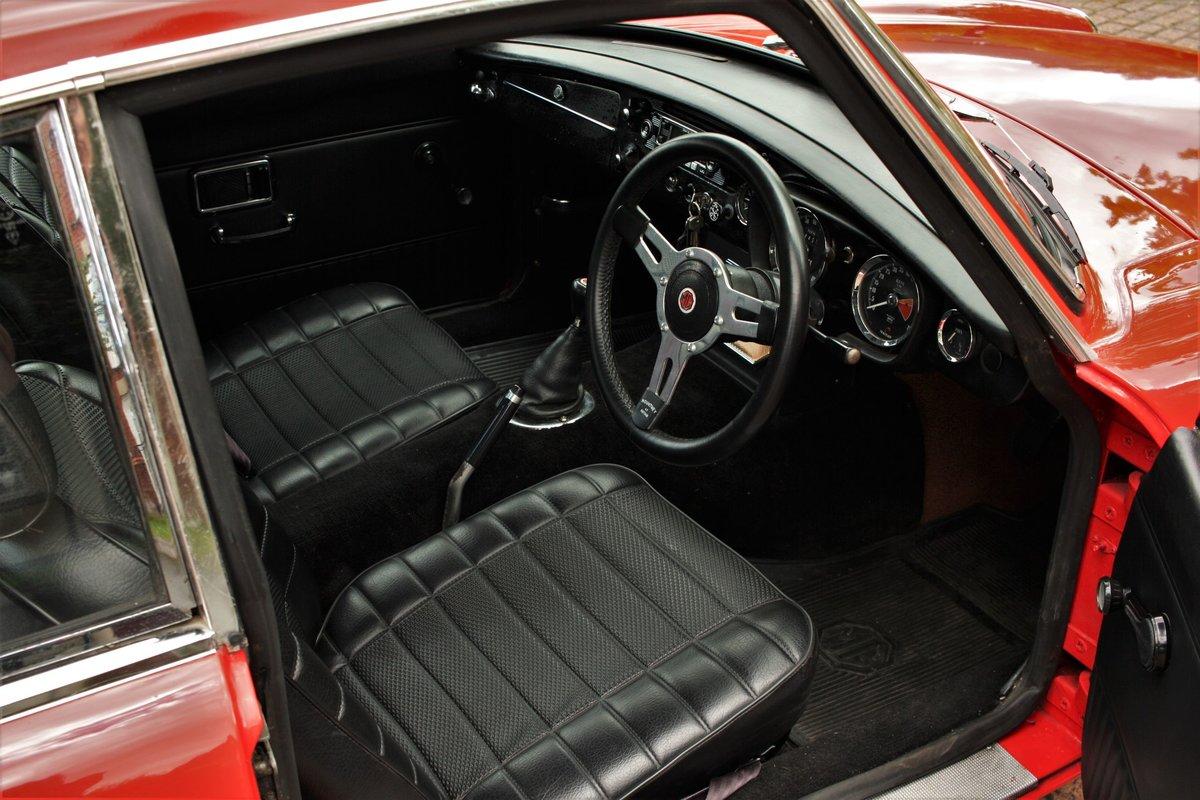 1970 MGB GT Mk2 - Flame Red, Older Restoration - MG BGT MGBGT SOLD (picture 4 of 6)
