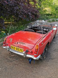 1965 MGB Roadster Restoration / Race Car Project