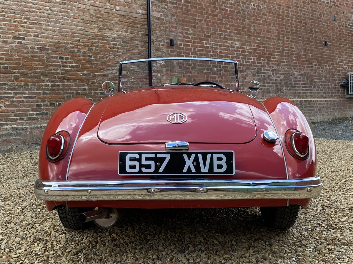 1957 MGA Roadster 1500 MK I. Beautifully Restored SOLD (picture 3 of 6)