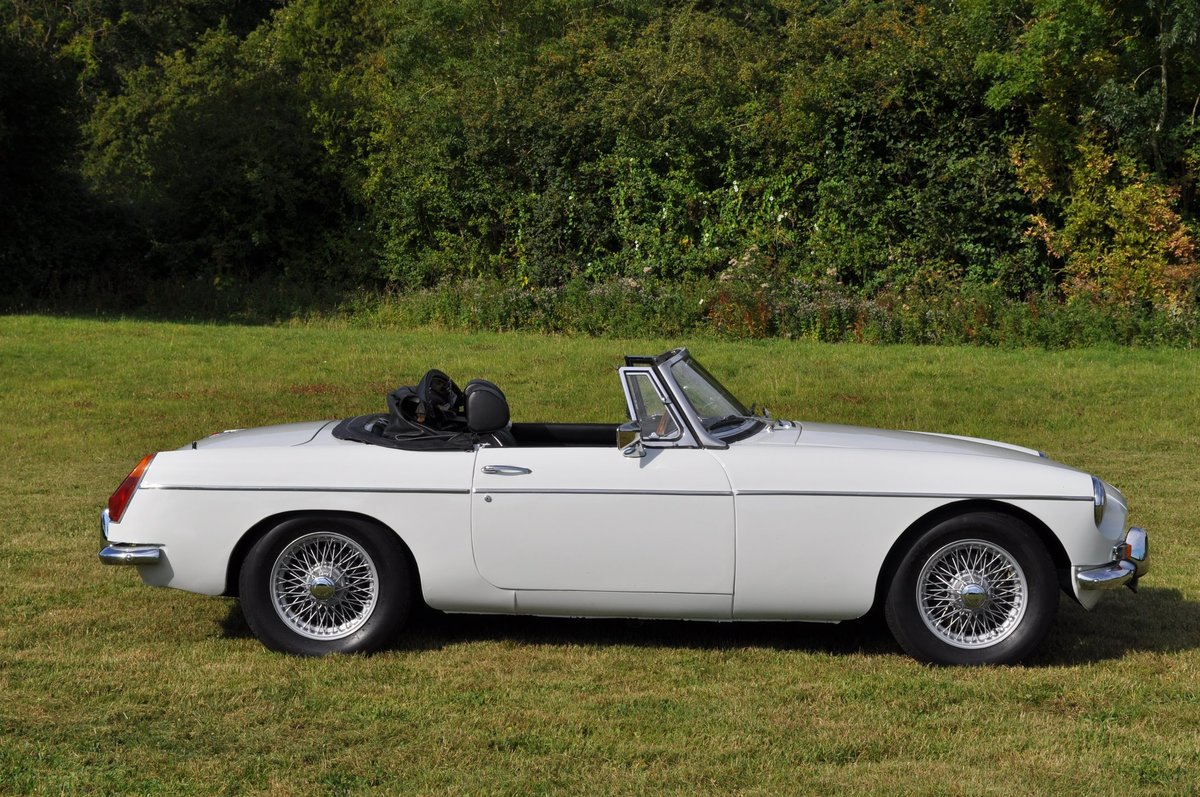1971 MGB Roadster With Overdrive For Sale (picture 2 of 6)