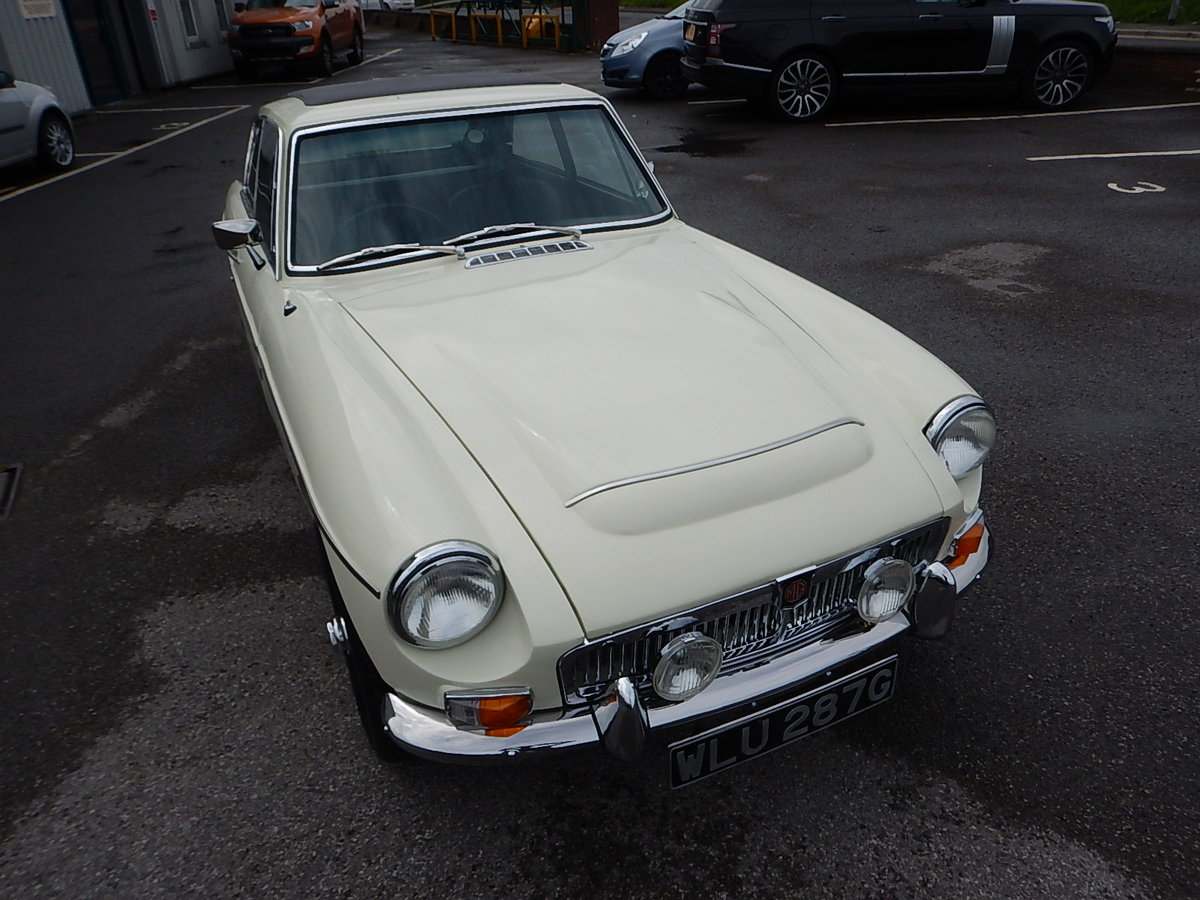 1969 MGC GT Automatic SOLD (picture 2 of 6)