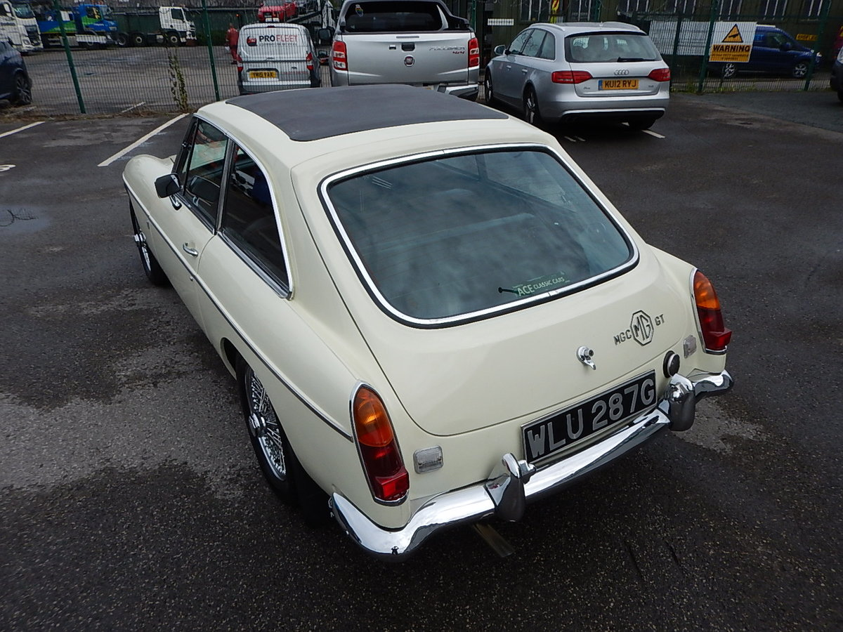 1969 MGC GT Automatic SOLD (picture 4 of 6)
