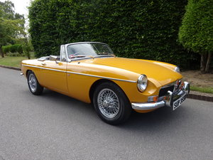 1972 MG B ROADSTER  HERITAGE BODYSHELL