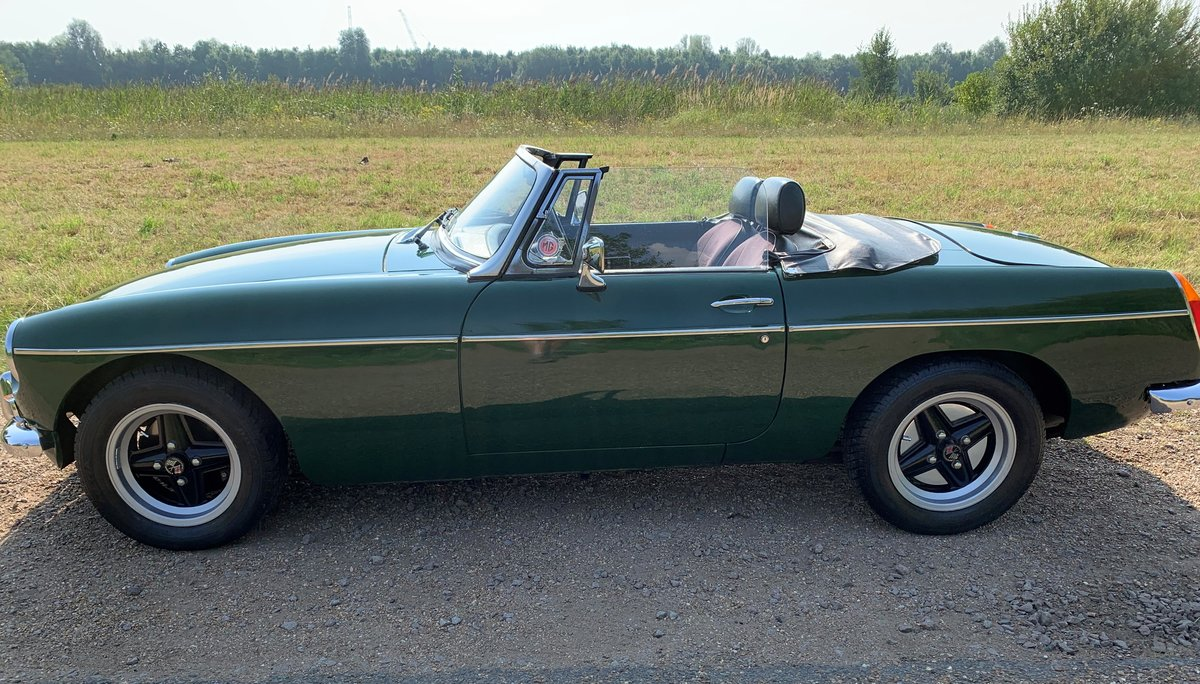 1978 MGB Roadster DEPOSIT TAKEN SOLD (picture 2 of 6)