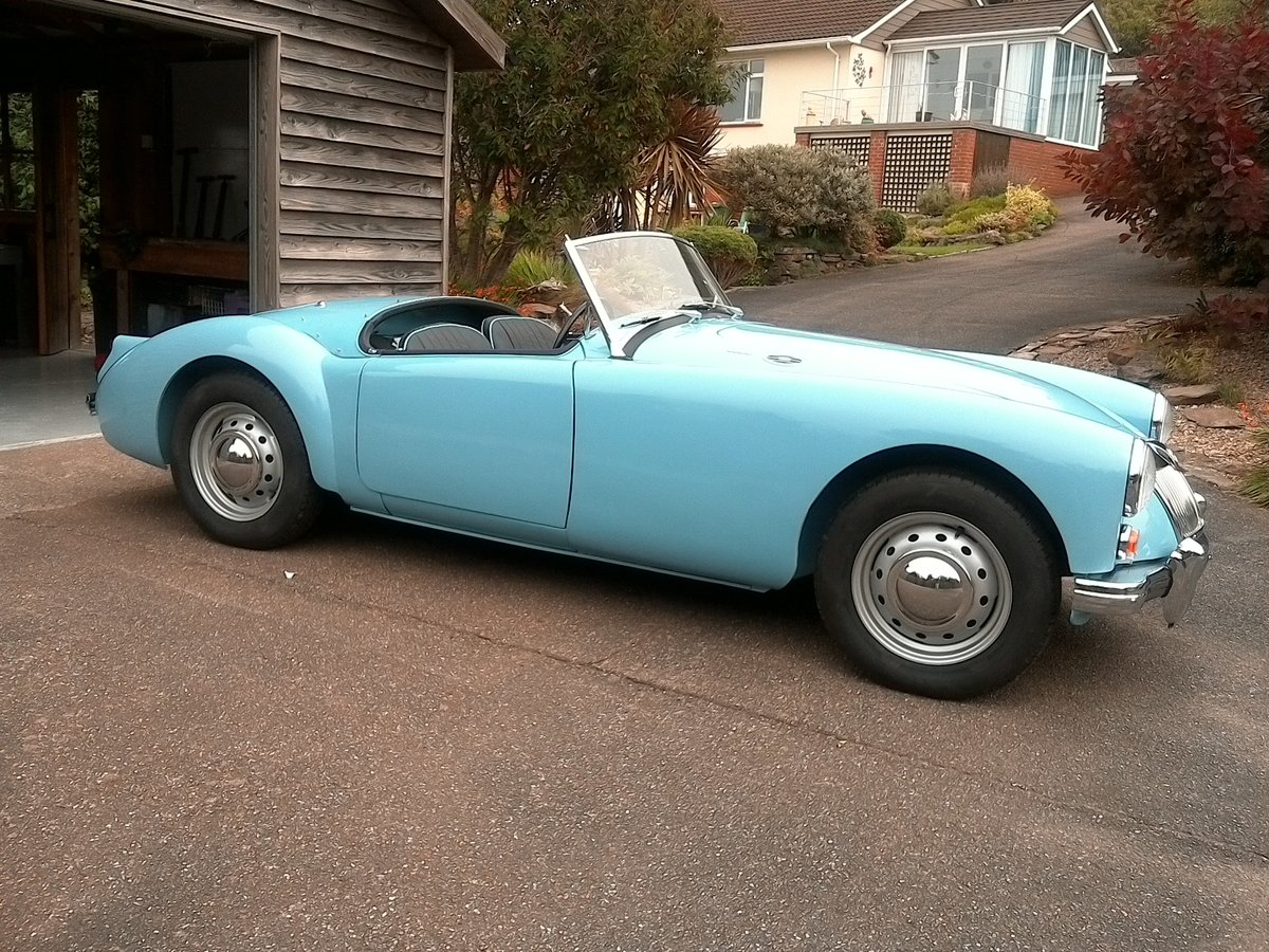 1961 MGA original uk RHD SOLD (picture 2 of 6)