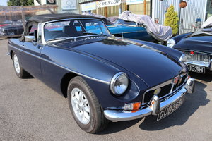 mgb Roadster in midnight blue