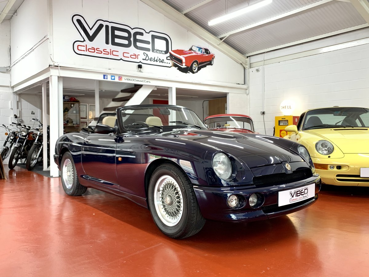 1995 MG RV8 Oxford Blue // NOW SOLD SIMILAR REQUIRED For Sale (picture 1 of 6)