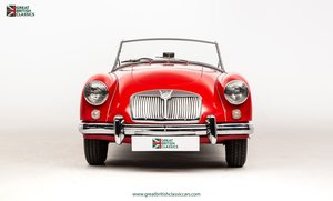 1959 MGA ROADSTER 1500 // RESTORED MGA // CLASSIC COLOUR COMBO