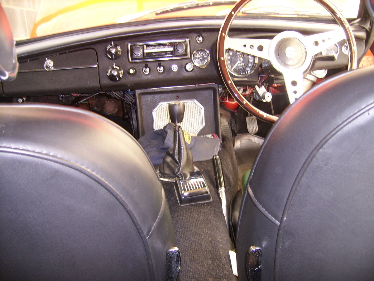 1971 MGB GT For Sale (picture 5 of 6)