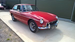 1972 MGB GT in Flame red, full length sunroof For Sale