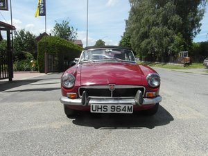 Picture of 1974 MGB roadster