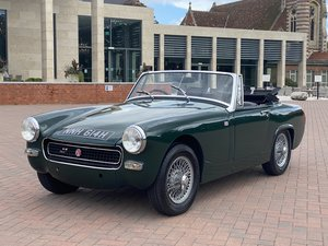 Picture of 1970 Fantastic MG Midget in British Racing Green