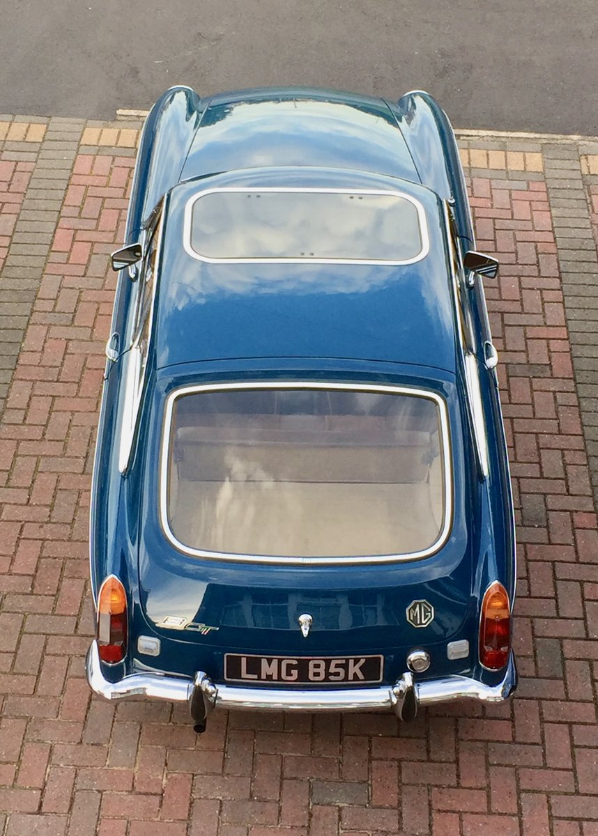 1972 MG B GT - recent restoration -  For Sale (picture 2 of 6)