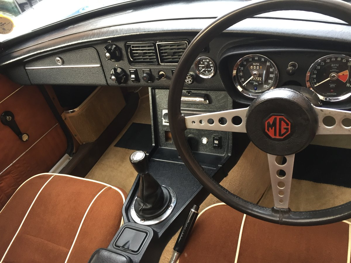1972 MG B GT - recent restoration -  For Sale (picture 4 of 6)