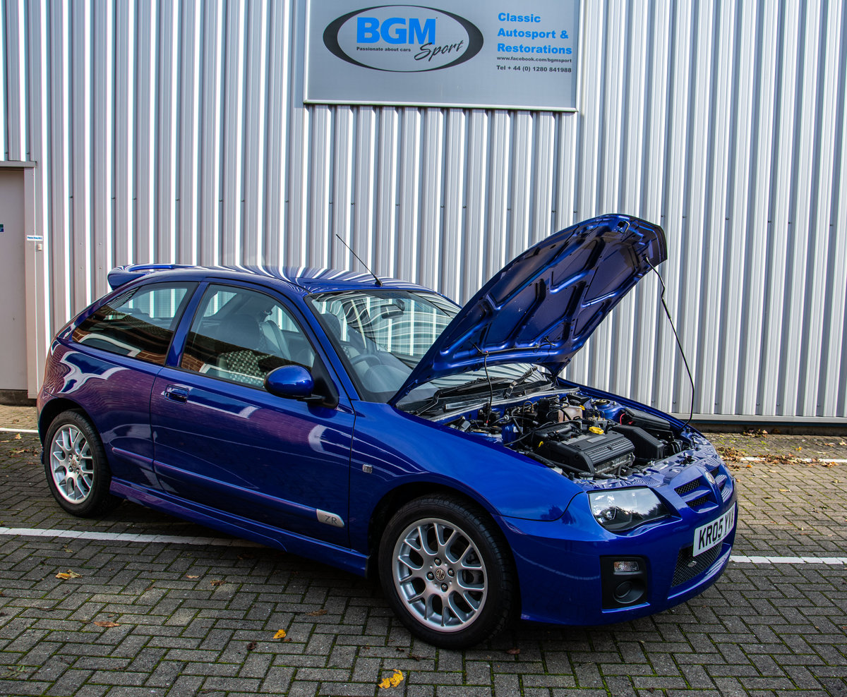 2005 MG ZR 105 1400cc 3 Door with just 835 miles For Sale (picture 3 of 6)
