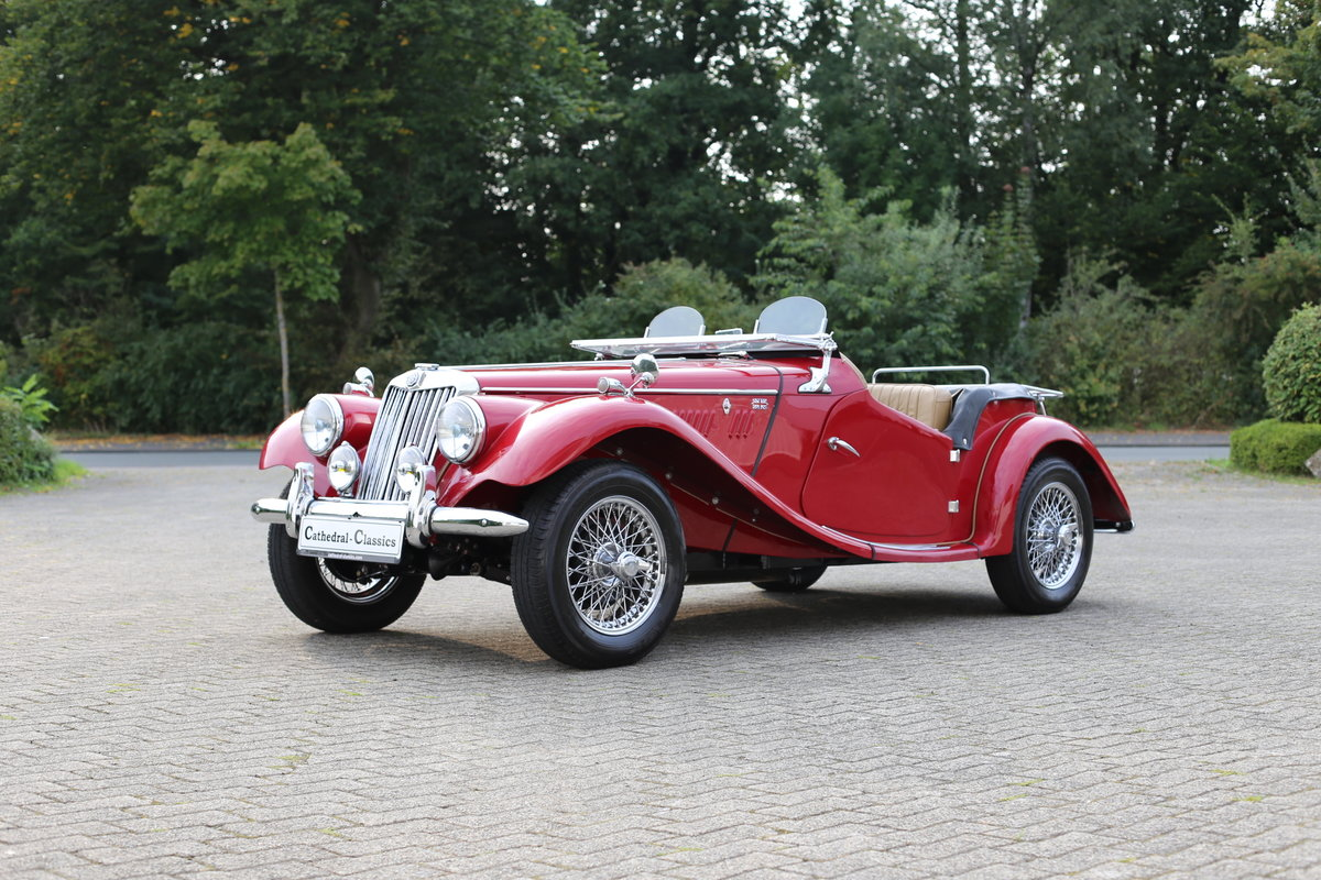 1954 A delightful, completely restored MG TF 1250 Midget For Sale (picture 2 of 6)
