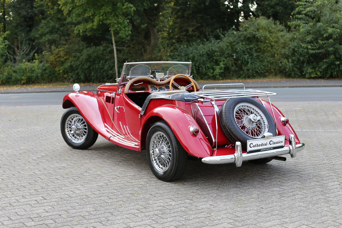 1954 A delightful, completely restored MG TF 1250 Midget For Sale (picture 3 of 6)